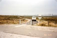 OV_OOSTVOORNSEMEER_14 Oostvoorne; Zicht op het Oostvoornse Meer, vanaf het fietpad over de Brielse Gatdam, 21 april 1993