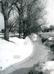 OV_RIETDIJK_09 Winteropname van het boerenbedrijf van dhr. Kome; 1983