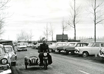 OV_SCHRIJVERSDIJK_08 Boedelverkoop op de Prinsenstee; 12 april 1962