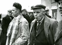OV_SCHRIJVERSDIJK_09 Boedelverkoop op de Prinsenstee; 12 april 1962