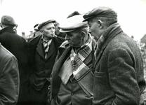 OV_SCHRIJVERSDIJK_12 Boedelverkoop op de Prinsenstee; 12 april 1962