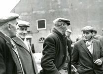 OV_SCHRIJVERSDIJK_15 Boedelverkoop op de Prinsenstee; 12 april 1962