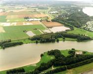 OV_WATEROVERLAST_004 Oostvoorne; Ondergelopen weilanden als gevolg van de zware regenval in september 1998. Rechts het ...