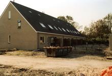 OV_ZANDWEG_11 Aanbouw van tien nieuwe woningwetwoningen langs de Zandweg, als bouwproject voor leerlingen; 1987