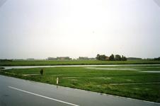 OH_WATEROVERLAST_02 Hoog water door overvloedige waterval. Kijkje op de ondergelopen polder Oudenhoorn vanaf de Eeweg; ...