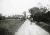 RO_BOOMWEG_04 De Boomweg met het paardenpad; ca. 1930
