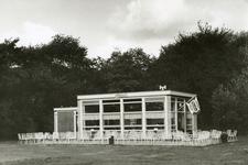 RO_DUINSTRAAT_01 Paviljoen de Meidoorn bij de Tenellaplas; ca. 1950