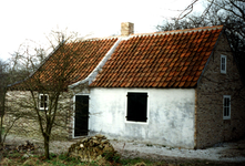 RO_DUINSTRAAT_15 De gesloopte woning De Huttendijk langs de Vleerdamsedijk is opgebouwd in Museum De Duinhuisjes; 14 ...