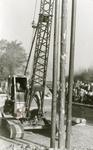 RO_DWARSWEG_31 Eerste paal slaan voor de O.L.S. II aan de Dwarsweg door burgemeester Jhr. J. Alberde van Ekenstein; 26 ...