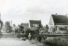 RO_KORTEWEG_08 Korteweg met aan beide zijde sloten.; 1946