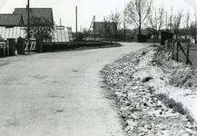 RO_KORTEWEG_11 Korteweg de sloot aan de rechter zijde is gedempt, voor verbreding van de weg en de aanleg van een ...
