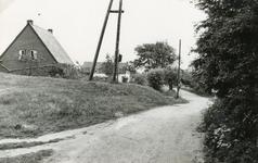 RO_KORTEWEG_23 Gezicht op de Korteweg voor de aanleg van de Tweede Slag; Mei 1956