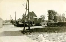 RO_LANGEWEG_01 De Langeweg ter hoogte van de kruising met de Middelweg (links) en de Bosweg (rechts); ca. 1970