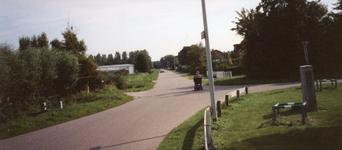 RO_LANGEWEG_04 De Langeweg nabij de kruising (rechts niet te zien) met de Middelweg en links de Bosweg; 25 augustus 1999