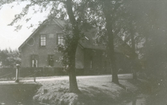 RO_MIDDELDIJK_02 De boerderij van L. Boogert ; ca. 1946