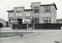 RO_MIDDELDIJK_05 Het gebouw van de Ned. Herv. Evangelisatie aan de Middeldijk; Februari 1957