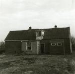 RO_MIDDELWEG_11 Oude woning langs de Middelweg, gesloopt in 1974 (Achterzijde); 1974