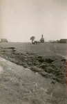 SH_LAGEWEG_03 De kerk van Simonshaven in de polder, gezien vanaf de Hogeweg; ca. 1935
