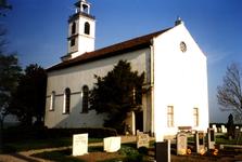 SH_LAGEWEG_05 De kerk van Simonshaven, in 1852 gebouwd in neoclassicistische stijl; 2 mei 1997