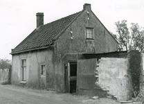 SP_BREEWEG_004 Onbewoonbaar verklaarde woning; 31 oktober 1963