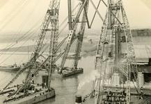 SP_BRUGGEN_BOTLEKBRUG_002 De aanleg van de Botlekbrug; 1955