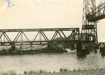SP_BRUGGEN_BOTLEKBRUG_004 De aanleg van de Botlekbrug; 1955