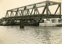 SP_BRUGGEN_BOTLEKBRUG_012 De aanleg van de Botlekbrug; 1955