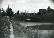 SP_BRUGGEN_DERDEHEULBRUG_001 Spijkenisse; De Derde Heulbrug over de boezem, ter hoogte van de Kerkstraat, 1935