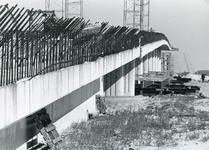 SP_BRUGGEN_HARTELBRUG_002 Spijkenisse; De Hartelbrug in aanbouw, 19 september 1967
