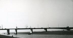 SP_BRUGGEN_HARTELBRUG_004 Spijkenisse; De Hartelbrug, november 1977