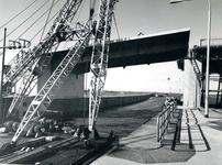 SP_BRUGGEN_HARTELBRUG_007 Spijkenisse; De Hartelbrug in aanbouw, 3 oktober 1967