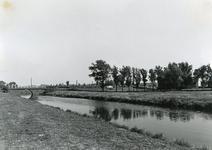 SP_BRUGGEN_VIERDEHEULBRUG_002 Spijkenisse; De Vierde Heulbrug over de boezem, ter hoogte van de Mallendijk. Het begin ...