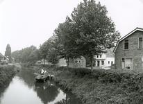 SP_FLUISTERBOOT_001 Spijkenisse; Aanlegsteiger van de fluisterboot, de achterzijde van het voormalige raadhuis en de ...