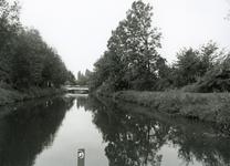 SP_FLUISTERBOOT_007 Spijkenisse; Gezicht over de Vierambachtenboezem met op de achtergrond de tweede Heulbrug, 12 ...