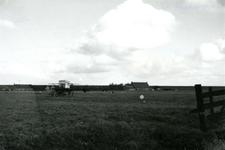 SP_MEELDIJK_019 De boerderij van Bodegom (links) en De Snayer (rechts) aan de Lange Schenkeldijk, gezien vanaf de ...