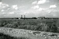 SP_MEELDIJK_026 De boerderij van Bodegom (links) en De Snayer (rechts) aan de Lange Schenkeldijk, gezien vanaf de ...