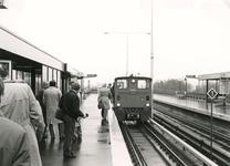 SP_METRO_AANLEG_046 Bouw van de metrolijn in Spijkenisse: proefrijden in Hoogvliet; 1985