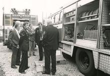 TI_Brandweer_001 Afscheid van de brandweer in Tinte, met links Wim Moerman; 1985
