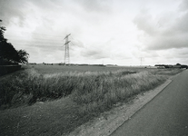 TI_KONNEWEG_013 Gezicht vanaf de Konneweg in de richting Brielle met op achtergrond de wijk Rugge; juni 2006
