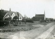 TI_STRYPSEDIJK_001 Strypsedijk met de School met de Bijbel en de gereformeerde kerk. De eerste steen voor de school is ...