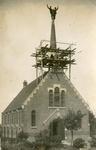 TI_STRYPSEDIJK_004 Gereformeerde Kerk aan de Strypsedijk tijdens restauratie werkzaamheden aan de toren. Met in de ...