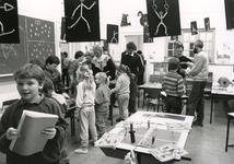 TI_STRYPSEDIJK_009 Spelletjesdag in de school aan de Strypsedijk; 7 juli 1988