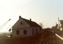 VP_ACHTERDIJK_008 Sloop van de woning van de familie Poldervaart ten behoeve van de aanleg van de nieuwbouwwijk - in ...