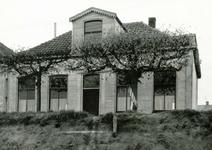 VP_ACHTERDIJK_023 Het voormalige gemeentehuis van Vierpolders; 12 november 1968