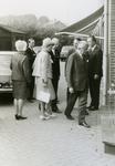 VP_PERSONEN_069 Werkbezoek van mr. J. Klaasesz, commissaris der koningin van Zuid-Holland, Aan P. Spreeuwenberg bv. Van ...