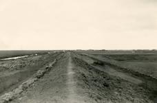 ZL_DIJKVERSTERKING_41 Kijkje op de Zeedijk, richting de Oudenhoornse Zeedijk / Ruigendijk; 1961