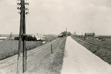 ZL_DIJKVERSTERKING_42 Kijkje op de Zeedijk, richting Stroodorp; 1961