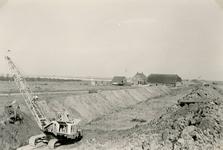 ZL_DIJKVERSTERKING_44 Kijkje op de Zeedijk, rechts de boerderij van Oosthoek; 1961