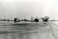 ZL_WATERSNOODRAMP_085 Huizen en de oude molen in het water; Februari 1953