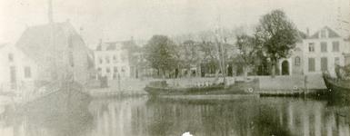 ZW_HAVENKADE_035 Zwartewaal; De haven van Zwartewaal, ca. 1925